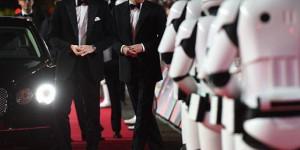 Принцы Уильям и Гарри, прихватив 400 человек, посетили премьеру фильма «Звездные войны: Последние джедаи», в котором снялись (ВИДЕО+ФОТО)