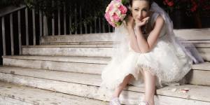 Толстушка продает свадебное платье, чтобы на эти деньги пойти в спортзал