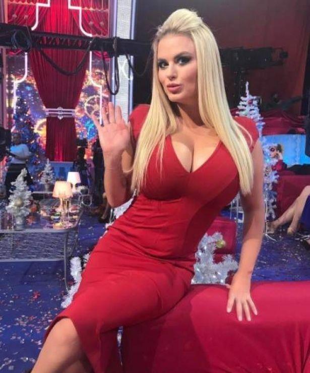 Красный – ее цвет: Анна Семенович удивила похудевшей фигурой в шикарном платье