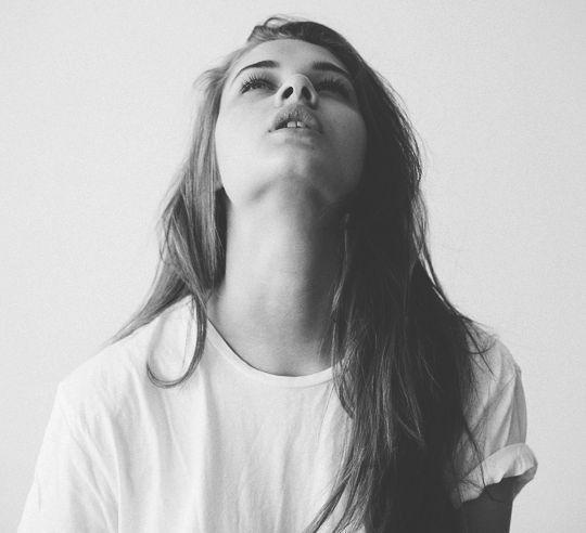 12 мыслей, которые вредят твоей психике