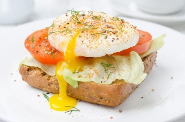 5 самых полезных и вкусных рецептов завтрака из яиц