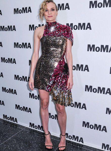 Подмышка сбежала: Диана Крюгер надела слишком тесное платье