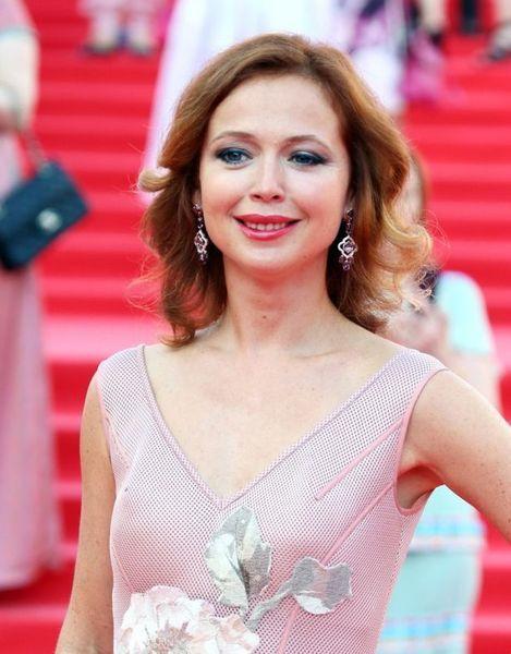 42-летняя Елена Захарова родила дочь