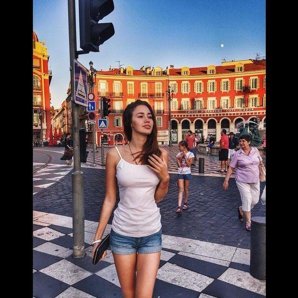 Пара лишних: Костенко показала неспортивную фигуру