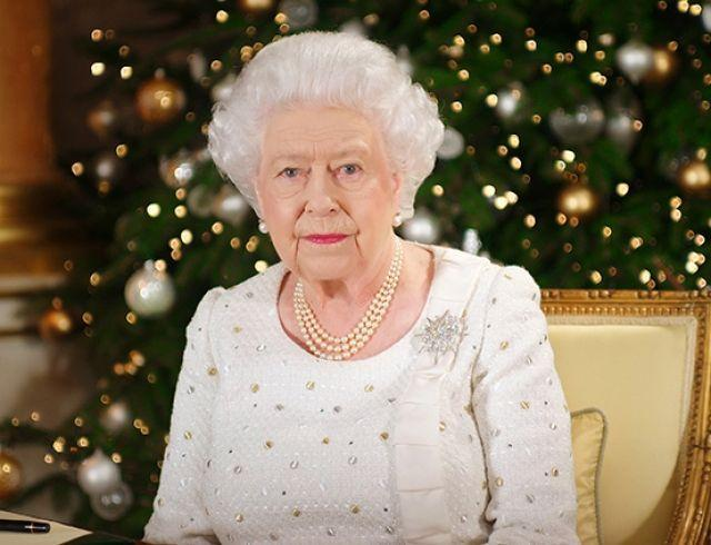 В кабинете Елизаветы II заметили портрет Меган Маркл