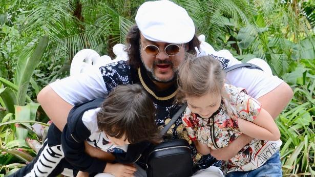 Предложили лишить родительских прав: Филиппа Киркорова раскритиковали за воспитание детей