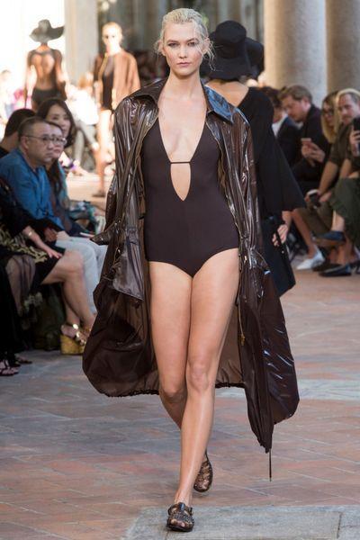 Bodysuit: как и с чем носить боди на улице