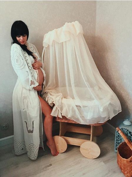Нелли Ермолаева из «Дома-2» сильно похудела после родов