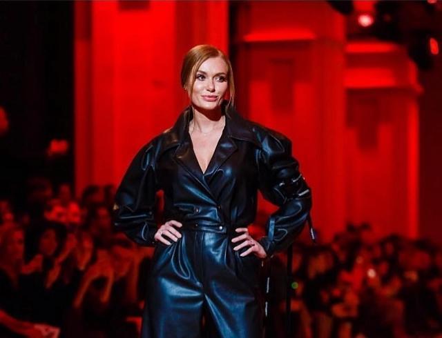 Слава Каминская блеснула на подиуме в рамках Ukrainian Fashion Week (ФОТО)