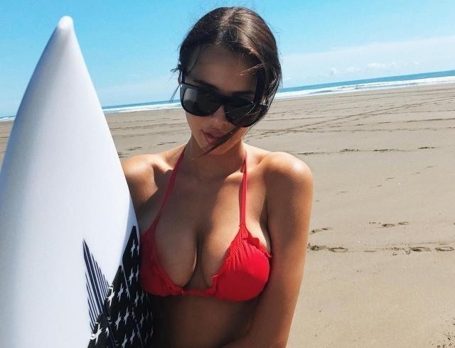 Анастасия Решетова нарвалась на критику из-за обнаженной фотографии в соцсети