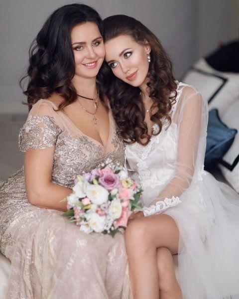 До слез: жена Тарасова Анастасия Костенко посвятила маме трогательные стихи, которые написала сама