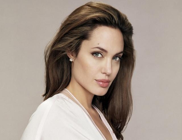 Анджелина Джоли готова отказаться от карьеры ради детей