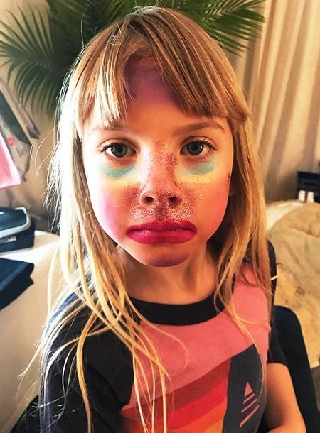 Дочь Пинк в 6 лет записала свой первый бьюти-блог