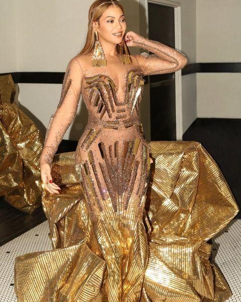 Как египетская царица: Бейонсе в золотом платье восхитила поклонников (ФОТО)