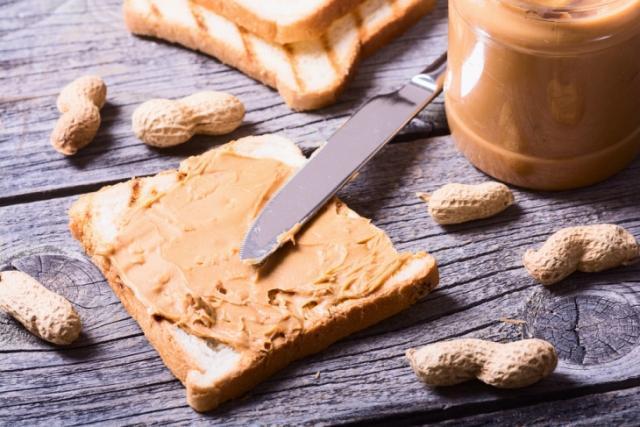 Арахисовая паста: чем полезна и с какими продуктами сочетается