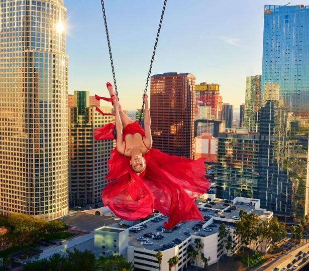 Дженнифер Лопес стала лицом модного глянца, рассказала про отношения с бойфрендом и харрасменте в Голливуде (ФОТО)