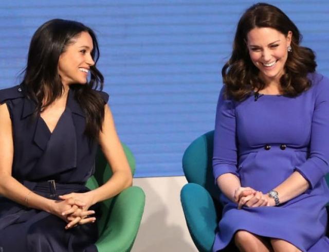 Вкусы совпали, а стоимость — нет: Меган Маркл и Кейт Миддлтон вышли в свет в похожих образах (ФОТО+ГОЛОСОВАНИЕ)