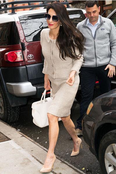 Амаль Клуни поразила идеальным деловым нарядом