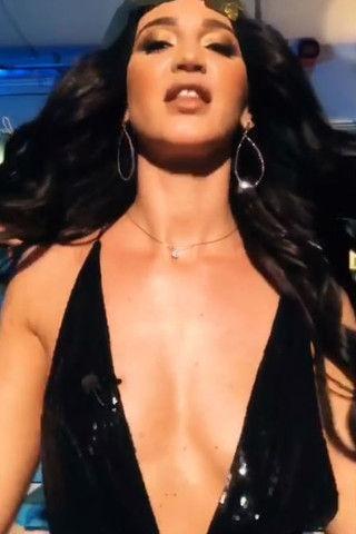В сеть попало видео с интимной фотосессии Бузовой