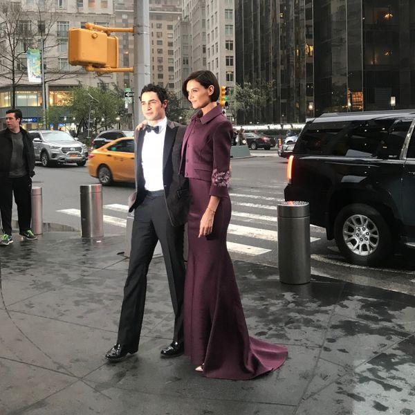 Кэти Холмс в эффектном образе посетила гала-вечер в Нью-Йорке (ГОЛОСОВАНИЕ)