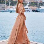 Викторию Боню раскритиковали за платье не по размеру (ФОТО)