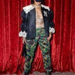 Рианна в прозрачной блузке и бомбере — поклонники раскритиковали образ певицы (ФОТО)