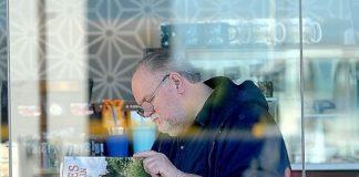 Постановочные фото и продажа отношений: отец Меган Маркл хочет нажиться на дочери?