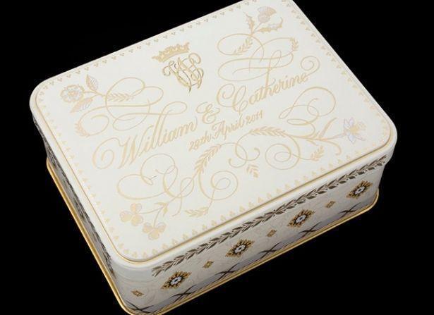 37-летний кусочек торта со свадьбы принцессы Дианы выставили на продажу