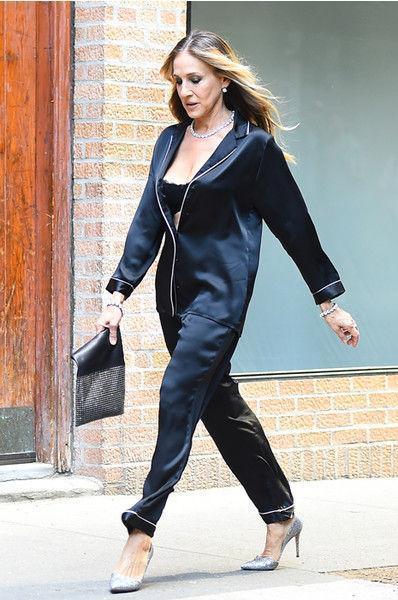 Сара Джессика Паркер прошлась по городу в пижаме
