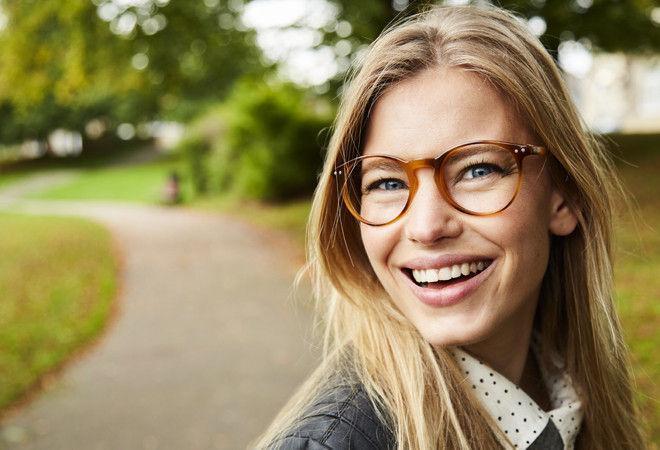 Ученые доказали, что люди в очках умнее