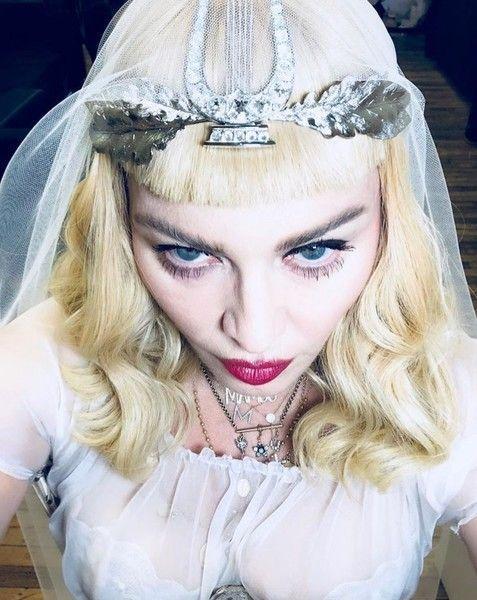 Мадонна выходит замуж за юного манекенщика