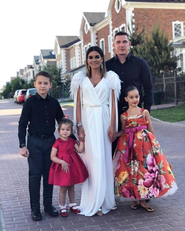 Ксения Бородина и Курбан Омаров отмечают кожаную свадьбу