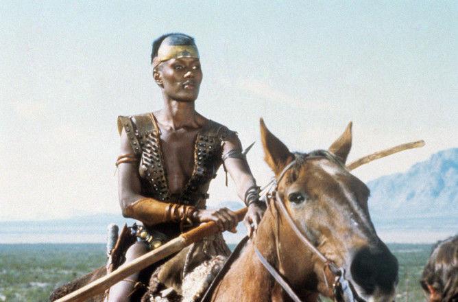 Как изменилась прекрасная амазонка Зулу из фильма «Конан-варвар»