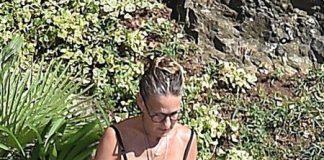 Дряблые ноги и отсутствие талии: Сара Джессика Паркер в купальнике