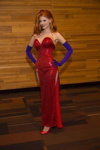 Змеи, кружево и костюм богини: выбор звезд на празднике «Муз-ТВ»