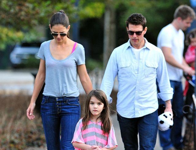 Инсайдер: Кэти Холмс переживает, что ее дочь растет копией Тома Круза
