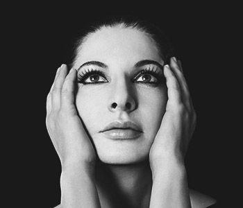 Присутствие художника: как Марина Абрамович стала главной звездой современного искусства