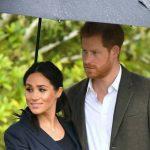 Королева не одобрила рождественский подарок принца Гарри беременной Меган Маркл
