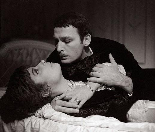 Как секс-символа 60-х Василия Ланового приняли за нищего