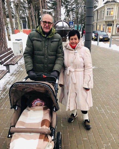 Мамина девочка: Эммануил Виторган показал личико дочки