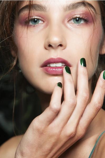 Чувственно и нежно: самый модный макияж губ этой весны