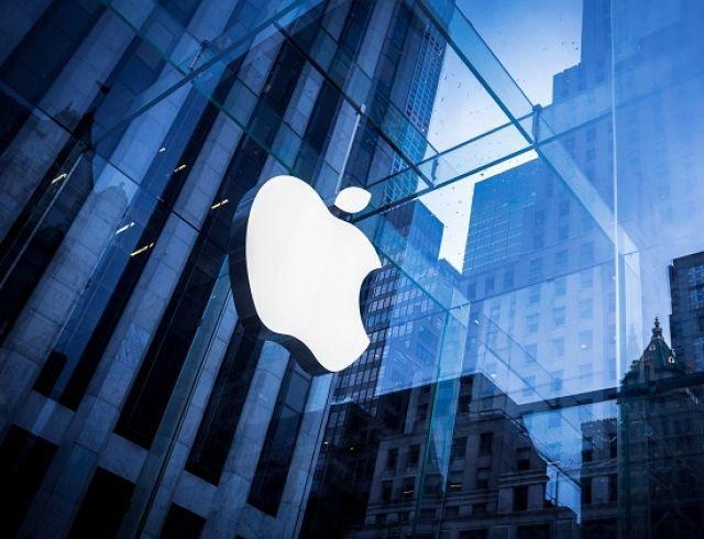 Сервис новостей, фильмы и банковская карта: разбираем новинки Apple