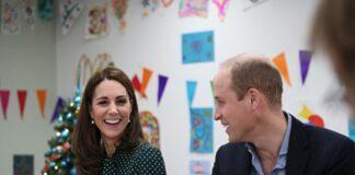 Принц Уильям и Кейт Миддлтон трогательно поздравили всех сРождеством иподелились семейным фото