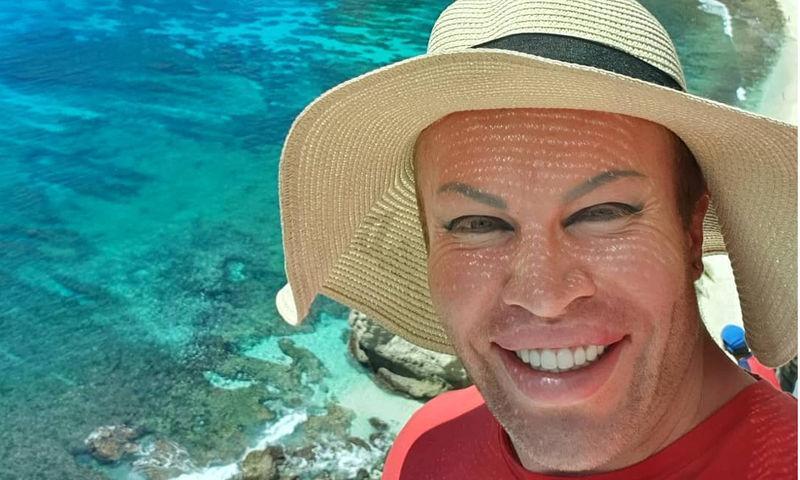 Блогер-фрик Саша Шпак поделился снимком в крошечном бикини